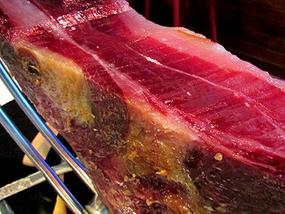 Difference between good and bad cured ham