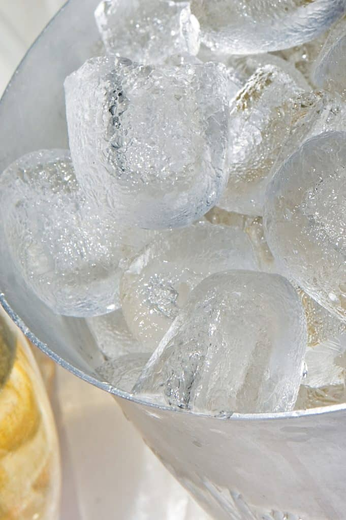 Plenty ice is needed for sangria